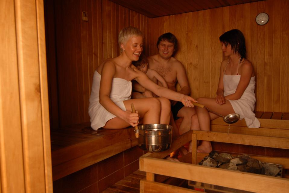 snyal-prostitutku-v-russkoy-bane-video-kino-golie-video